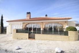 Villa Golden: Villa en venta en Oria, Almeria