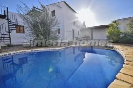 Cortijo Sirro: Landhuis te koop in Arboleas, Almeria
