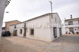 Casa Marmol: Village House for sale in Oria, Almeria