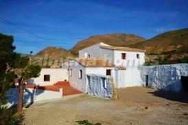 Cortijo Mercedes: Country House for sale in Oria, Almeria
