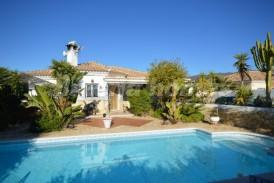 Villa Monaco: Villa for sale in Arboleas, Almeria