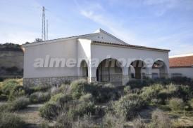 Villa Coleta: Villa for sale in Arboleas, Almeria