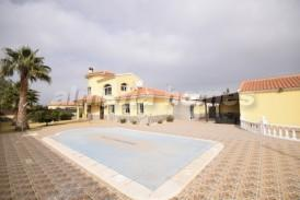Villa Certeza: Villa for sale in Arboleas, Almeria
