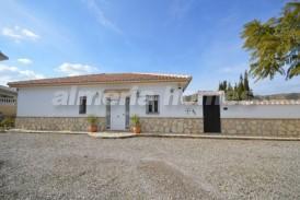 Villa Melissa: Villa for sale in Arboleas, Almeria