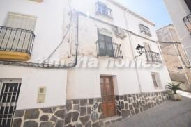 Casa Amor: Town House for sale in Seron, Almeria