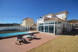 Villa San Valentin: Villa a vendre en Arboleas, Almeria
