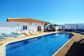 Villa Galaxy: Villa for sale in Partaloa, Almeria