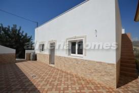 Villa Almendro: Villa en venta en Arboleas, Almeria