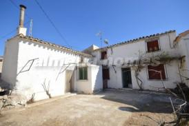 Cortijo Simba: Maison de campagne a vendre en Oria, Almeria