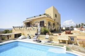 Villa Arcoiris: Villa for sale in Partaloa, Almeria