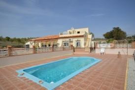 Villa Paula: Villa en venta en Oria, Almeria