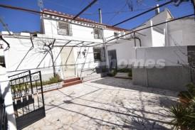 Cortijo Manchado : Country House for sale in Oria, Almeria