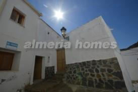 Casa Kiwi: Village House for sale in Urracal, Almeria