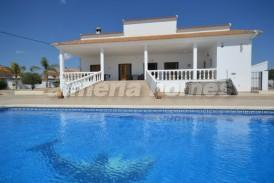 Villa Condomina: Villa for sale in Albox, Almeria