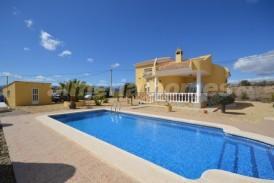 Villa Grecia: Villa for sale in Partaloa, Almeria