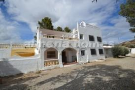 Cortijo Senador: Country House for sale in Cantoria, Almeria