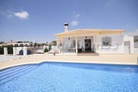 Villa Gaviota: Villa for sale in Albox, Almeria