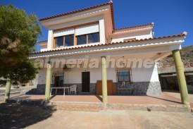 Villa Burro: Villa for sale in Zurgena, Almeria