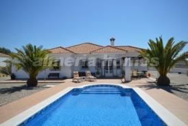 Villa Enhorabuena: Villa a vendre en Albox, Almeria