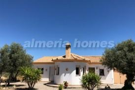 Villa Baranca: Villa for sale in Partaloa, Almeria