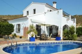 Cortijo Hierba: Country House for sale in Cariatiz, Almeria