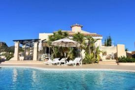 Villa Disney: Villa for sale in Bedar, Almeria