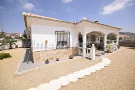 Villa Margaritas: Villa en venta en Arboleas, Almeria