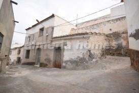 Casa Montini: Village House for sale in Somontin, Almeria