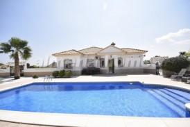 Villa Palmeras: Villa en venta en Albox, Almeria