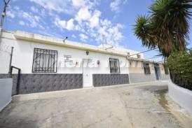 Cortijo Frances: Country House for sale in Albox, Almeria