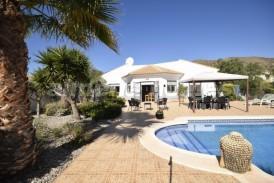 Villa Tropical: Villa a vendre en Arboleas, Almeria