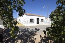 Cortijo Manga: Country House for sale in Zurgena, Almeria