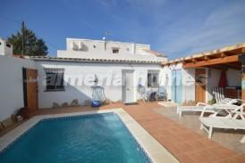 Cortijo Zenia: Country House for sale in Zurgena, Almeria