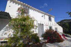 Cortijo Whisky: Country House for sale in Albox, Almeria