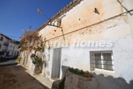 Casa Uniforme: Town House for sale in Oria, Almeria