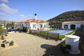 Villa Frambuesa: Villa te koop in Arboleas, Almeria