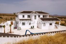 Villa Empire: Villa te koop in Partaloa, Almeria