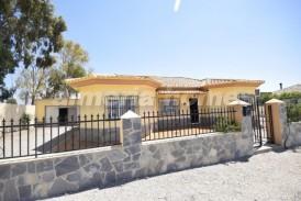 Villa Antracita: Villa for sale in Albox, Almeria