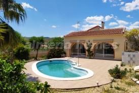 Villa Home: Villa en venta en Arboleas, Almeria