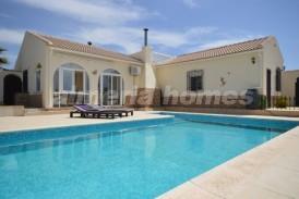 Villa Encantacion: Villa a vendre en Oria, Almeria
