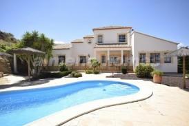 Villa Rosada: Villa for sale in Cantoria, Almeria
