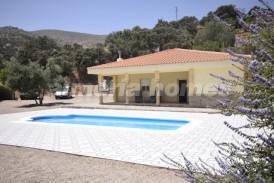 Villa Hola: Villa for sale in Chercos, Almeria