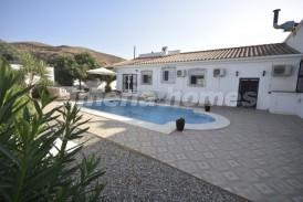 Villa & Restaurant Limaria: Villa for sale in Arboleas, Almeria