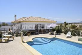 Villa Snow: Villa en venta en Albox, Almeria