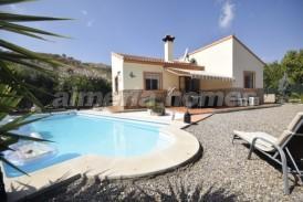 Villa Flamenco: Villa en venta en Arboleas, Almeria