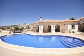 Villa Blancanieves: Villa en venta en Arboleas, Almeria