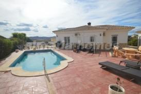 Villa Sweet: Villa te koop in Zurgena, Almeria
