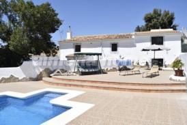 Cortijo Calma: Landhuis te koop in El Hijate, Almeria