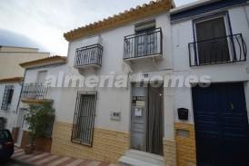 Casa Noruega: Town House for sale in Cantoria, Almeria