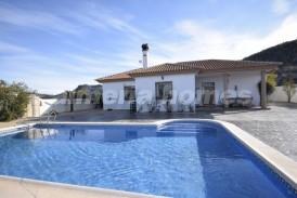 Villa Peach: Villa en venta en Arboleas, Almeria